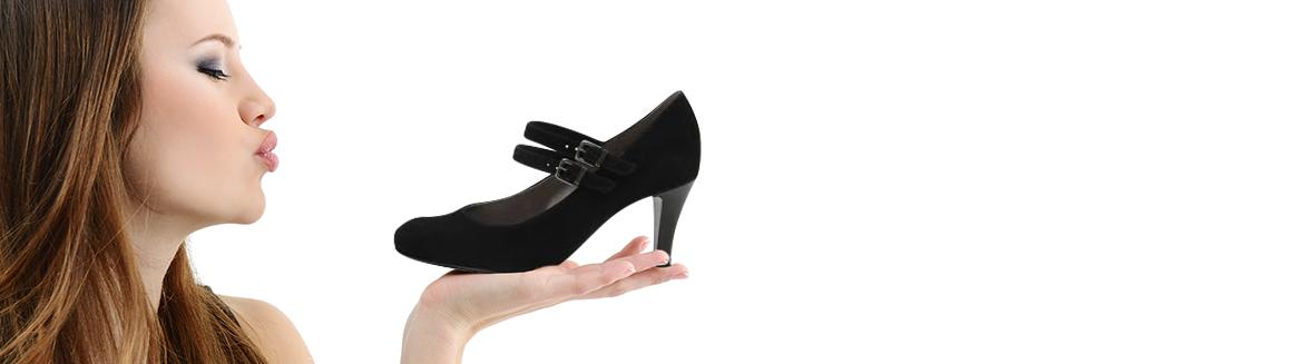 Női cipők 32-35 és 42-46 méretekben